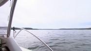 Motorówka na jeziorze