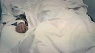 Pacjent przywiązany do łóżka