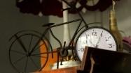 Zegar w kształcie starego roweru