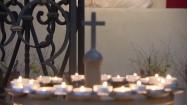 Stojak na świeczki z krzyżem
