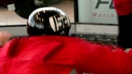 Człowiek w tunelu aerodynamicznym
