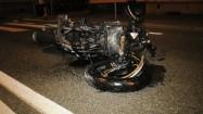 Wypadek drogowy - zniszczony motocykl
