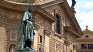 Pomnik króla Karola IV przed Mostem Karola w Pradze
