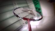 Rakieta do badmintona - odbijanie lotki