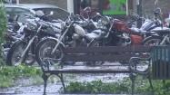Motocykle na deszczu
