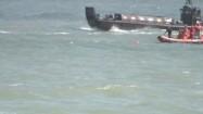 Łódź wojskowa i łódź ratownicza