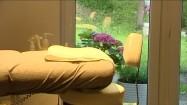 Łóżko w gabinecie kosmetycznym