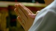 Dłonie złożone do modlitwy