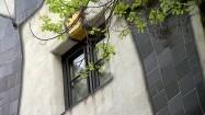 Hundertwasserhaus w Wiedniu - okno