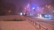 Ruch uliczny w śnieżny dzień