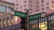 Znak z nawami ulic w Chicago