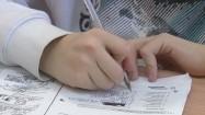 Uczeń rozwiązujący test