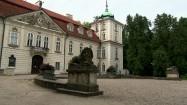 Nieborów - kamienne lwy przed pałacem