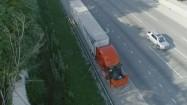 Ciężarówka na poboczu