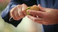 Obieranie kiwi