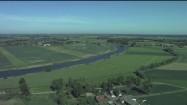 Rzeka, łąki i pola