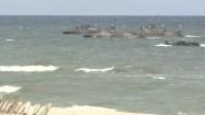 Łodzie wojskowe na morzu