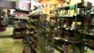 Zabawki na półkach sklepowych