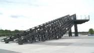 Konstrukcja na bulwarach nad Wisłą