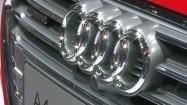 Audi A4 Quattro - przedni reflektor i grill samochodowy