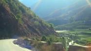 Południowe Chiny - jazda samochodem po górskim terenie