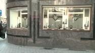 Witryna sklepu jubilerskiego w dzielnicy diamentów w Antwerpii