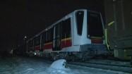 Pociąg towarowy z wagonami metra