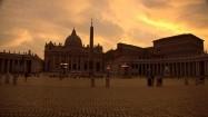 Plac św. Piotra o zachodzie słońca