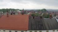 Dachy budynków - smog nad Żywcem