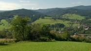 Widok na zielone wzgórza