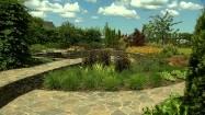 Kamienny wgłębnik w ogrodzie