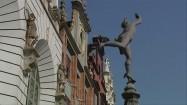 Rzeźba Hermesa przed Dworem Artusa w Gdańsku