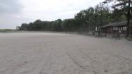 Silny wiatr na plaży