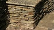 Kamienna ława z łupku szarogłazowego