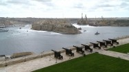 Zabytkowe armaty w Valletcie