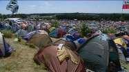 Pole namiotowe na festiwalu muzycznym