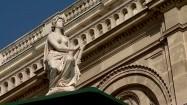 Rzeźba przed operą w Wiedniu