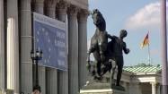 Pomnik przed parlamentem w Wiedniu