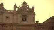 Fasada Bazyliki św. Piotra - zegar i figury apostołów