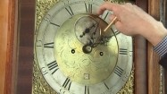 Przestawianie wskazówek zegara