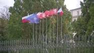 Flagi przed Ministerstwem Obrony Narodowej