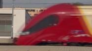 Pociąg Szybkiej Kolei Miejskiej wjeżdżający na stację