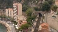Tory kolejowe i tunel w Monako