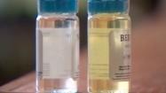 Przezroczyste buteleczki z płynem