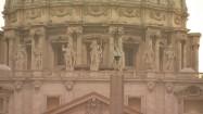 Fasada Bazyliki św. Piotra - posągi apostołów