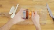 Ścieranie warzyw na tarce