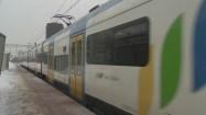 Pociąg odjeżdżający z peronu
