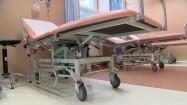 Łóżka w sali szpitalnej