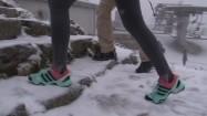 Turyści nieodpowiednio ubrani zimą na Kasprowym Wierchu
