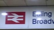 Stacja metra Ealing Broadway w Londynie
